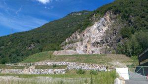 Tessin Castione Dunkel Marmor Steinbruch